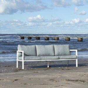 Belfort er en moderne loungemøbel gruppe med svært god sittekomfort.