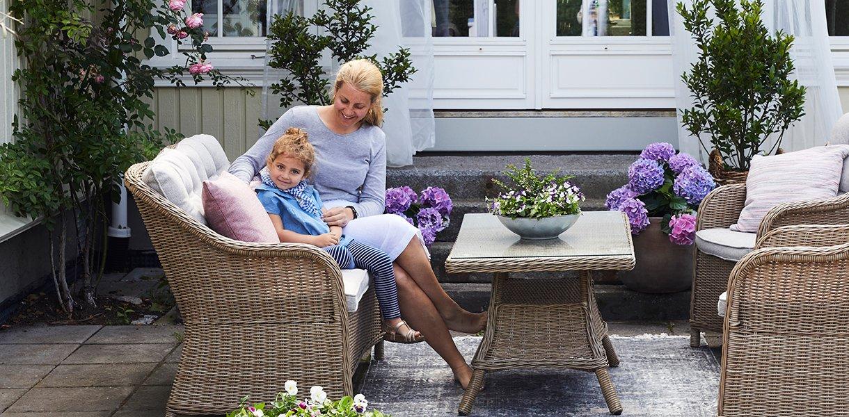 hagemøbler i kunstrotting