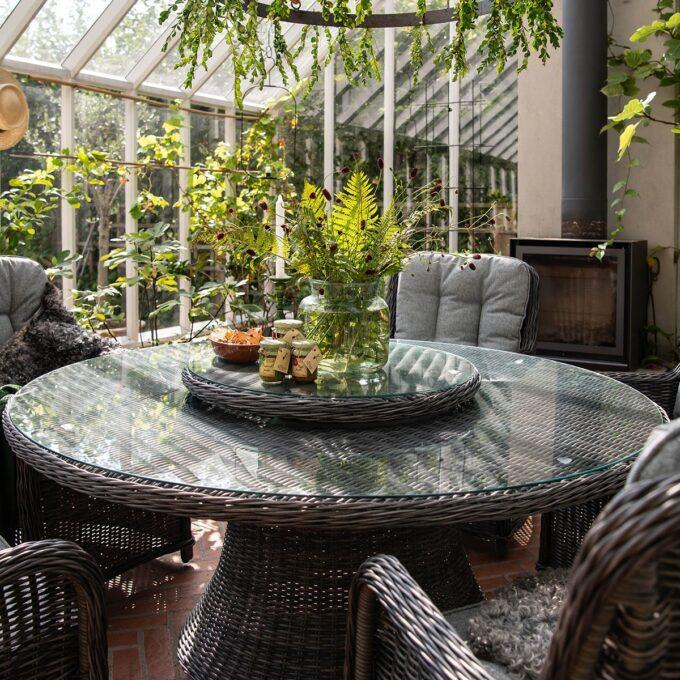 Spisebord Lindholm med dreieplate i grå kunstrotting