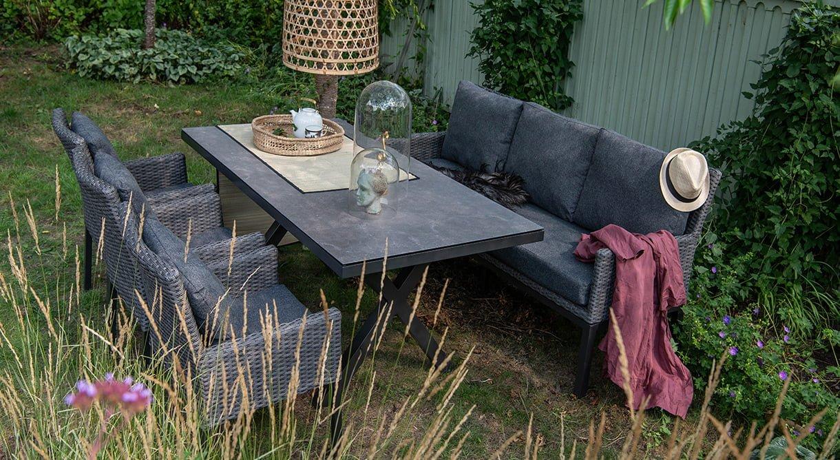 spisegruppe uterom hage sitteplass moderne kunstrotting keramikkplate Hammel