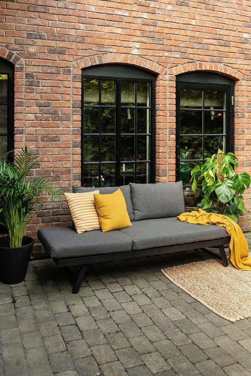 Hagemøbler uterom sofa solseng planter pute pledd Neo