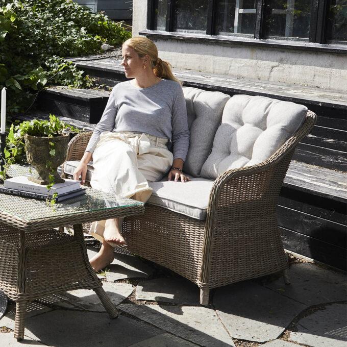 Sofa 2-seter Lilleholm naturfarget kunstrotting