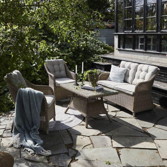 Sofagruppe Lilleholm naturfarget kunstrotting