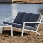 Moderne 3 seter sofa i aluminium med svært god sittekomfort.