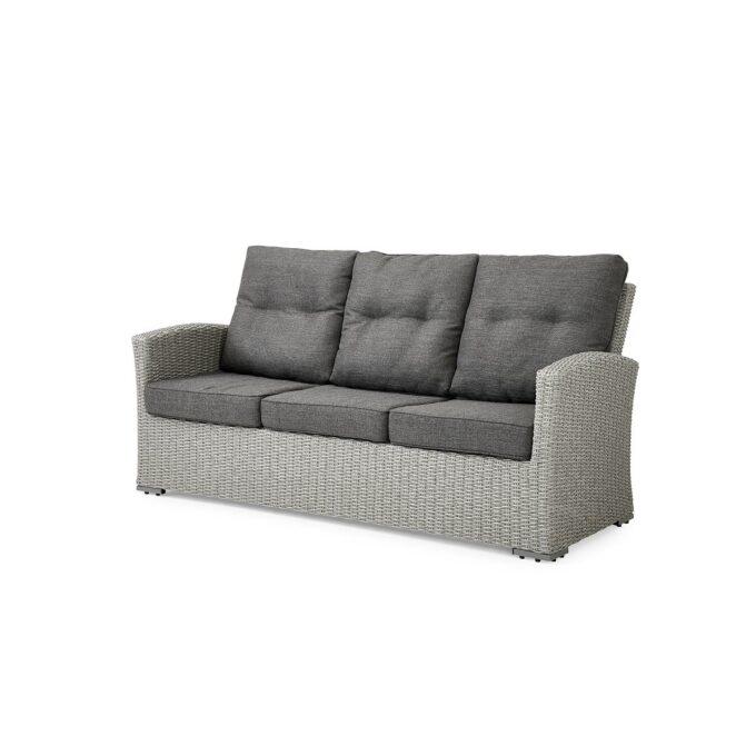 3-seter sofa ii grå kunstrotting med god sittekomfort. Kommer med grå puter i olefinstoff