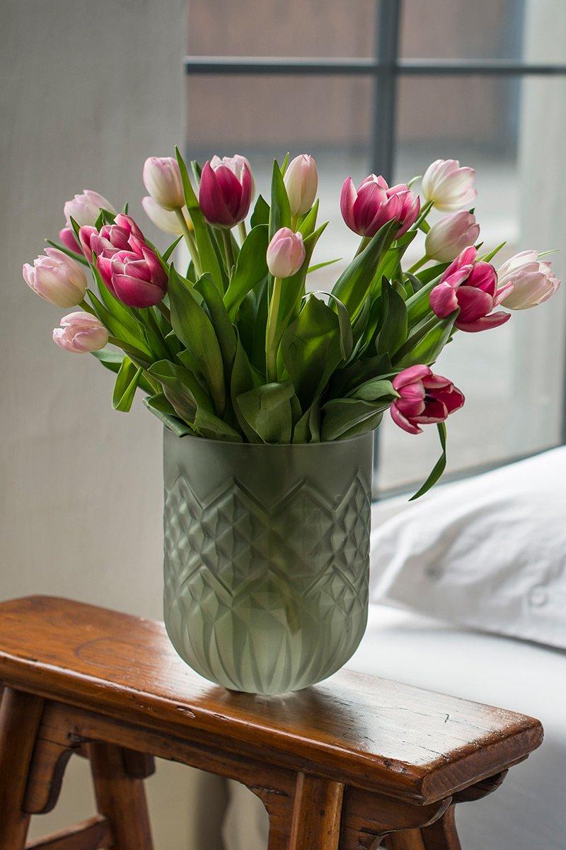 tulipaner bukett mix vase skammel