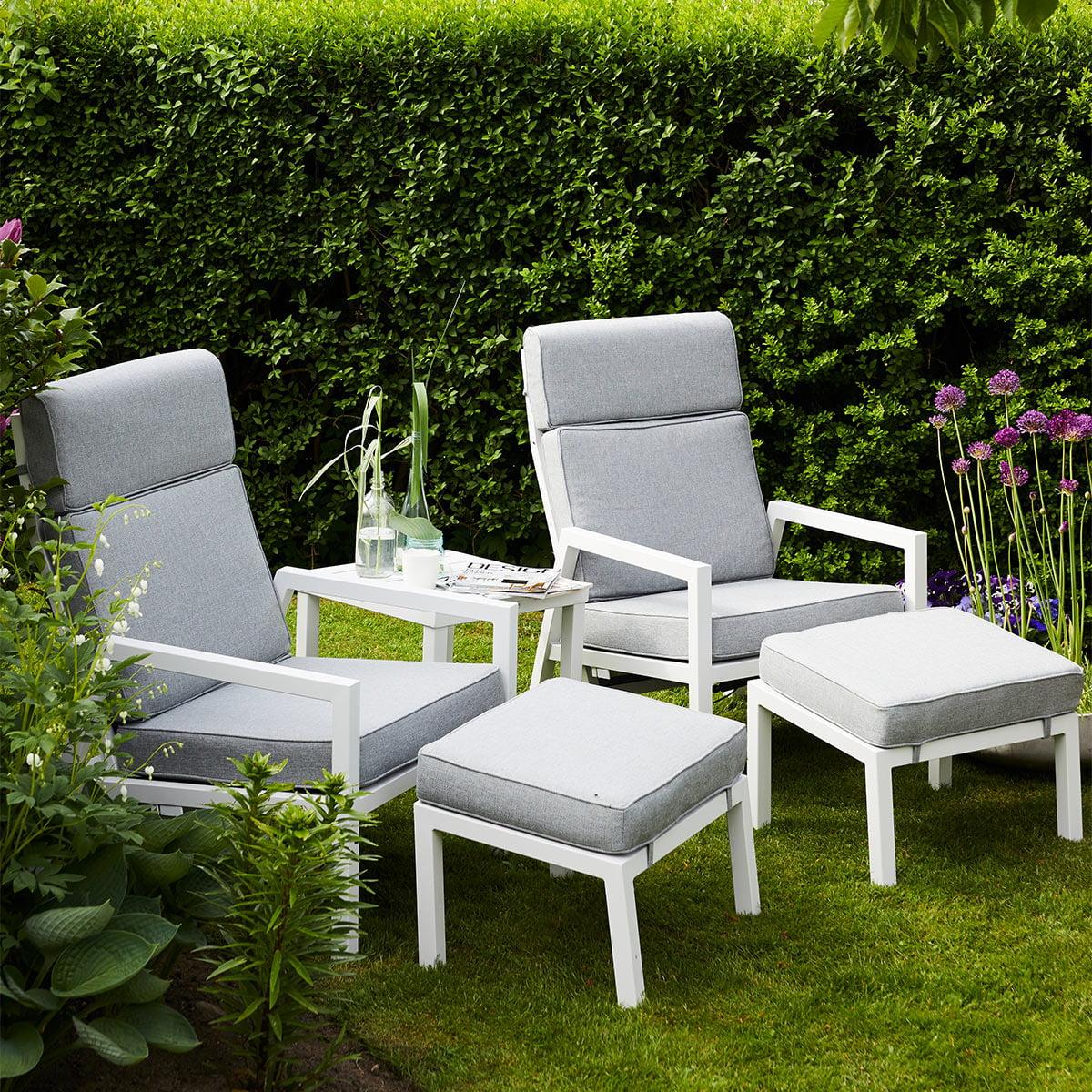 Moderne og stilren reclinersett med svært god sittekomfort. Putene kommer i olefinstoff, som er svært UV bestandig