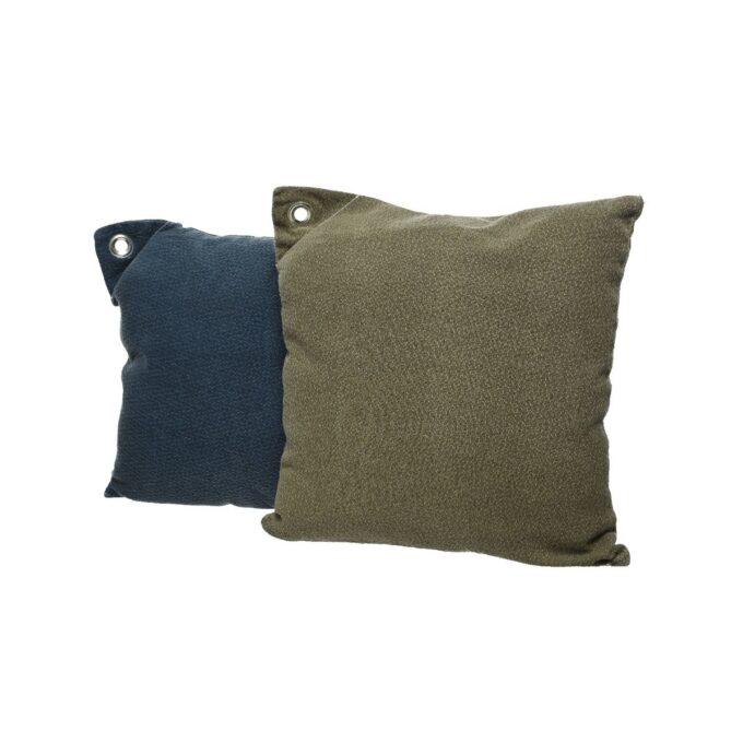 Blå og mørkgrønn stenvasket pute