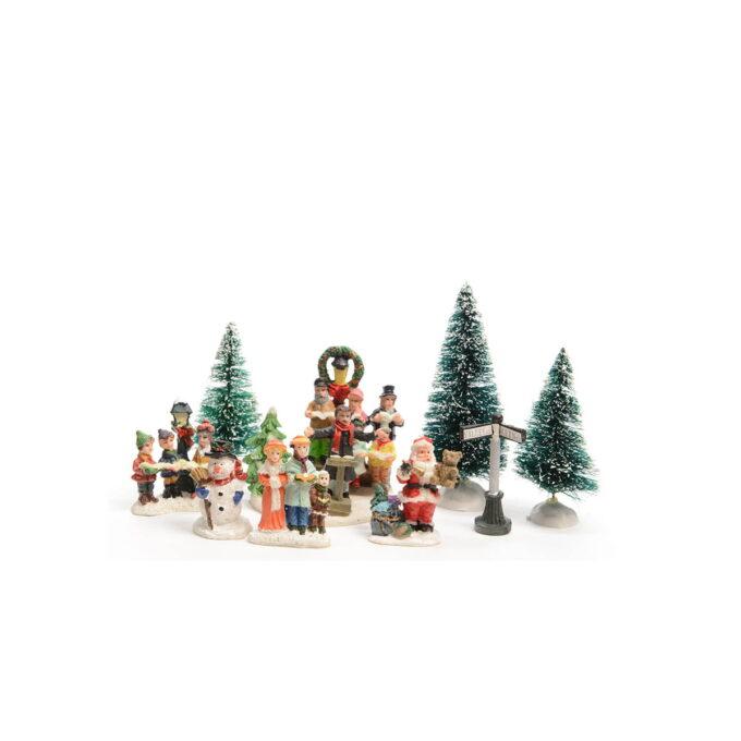 Juleby 9 assorterte figurer Startsett med 9 figurer som lager liv i julebyen eller rundt pepperkakehuset. Passer også fint i forskjellige juledekorasjoner.