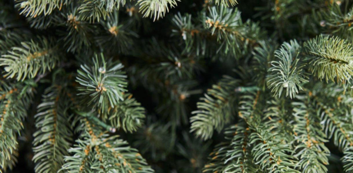 kunstige juletrær
