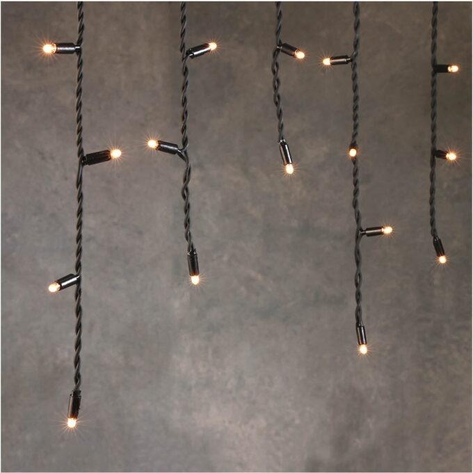 julebelysning Istapper til forlengelse av startsettet. Lengde 3 m, istapper på 40 cm, 50 lys. Enkelt å installere på 1-2-3.