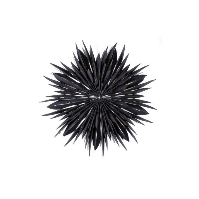 Maja er en papirstjerne som har mange fine detaljer og er nydelig i vinduet. Denne er sort og 60 cm i diameter