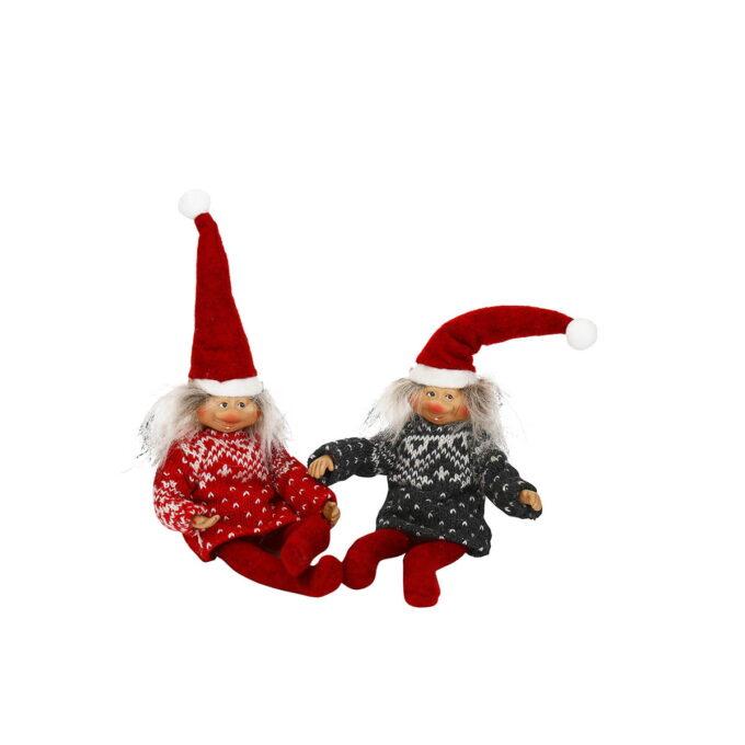 Denne rampenissen kommer til å finne på mye sprell fram mot jul Barna vil springe opp av sengen om morgenen for å se hva nissen har funnet på nå.