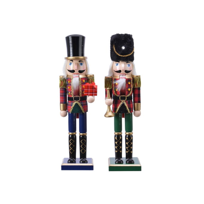 Nøtteknekkerne hører til julen! Finnes i flere størrelser og farger. Denne kommer i assorterte farger. Denne er 38 cm høy.