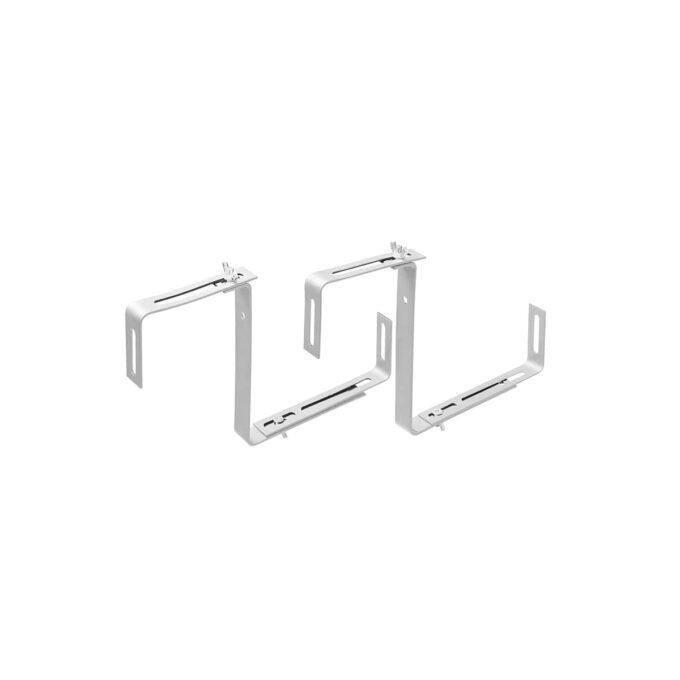 Konsoll eller brakett for opphenging av verandakasser på vegg eller en verandarekke. i hvitlakkert stål