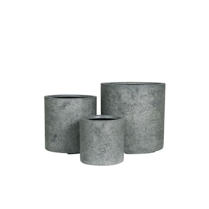 Utepotte Hamburg. Vakre potter med rette linjer. Grov overflate laget av steinmasser og forsterket med fiber.