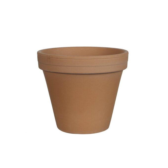 Vi har stort utvalg i leirpotter. Plantene trives veldig godt i disse. De er porøse slik at røttene får luft, og hull i bunn så ikke vannet blir stående i potten.