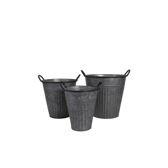 trendy metall potter med enkelt design som fletter seg godt sammen med annet tilbehør i hage og på terrasse.