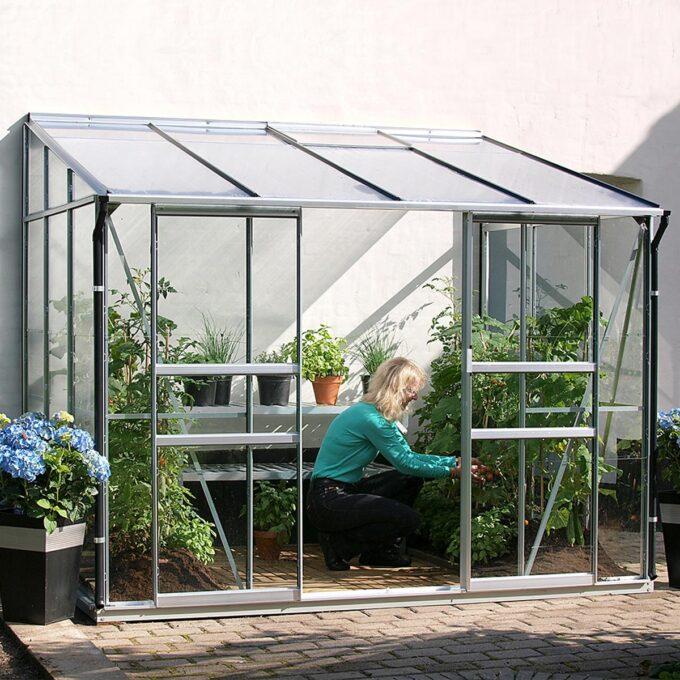 Drivhuset på balkonger og terrasser og ideelt til å dyrke tomater, agurker og andre grønnsaker eller sommerblomsterI