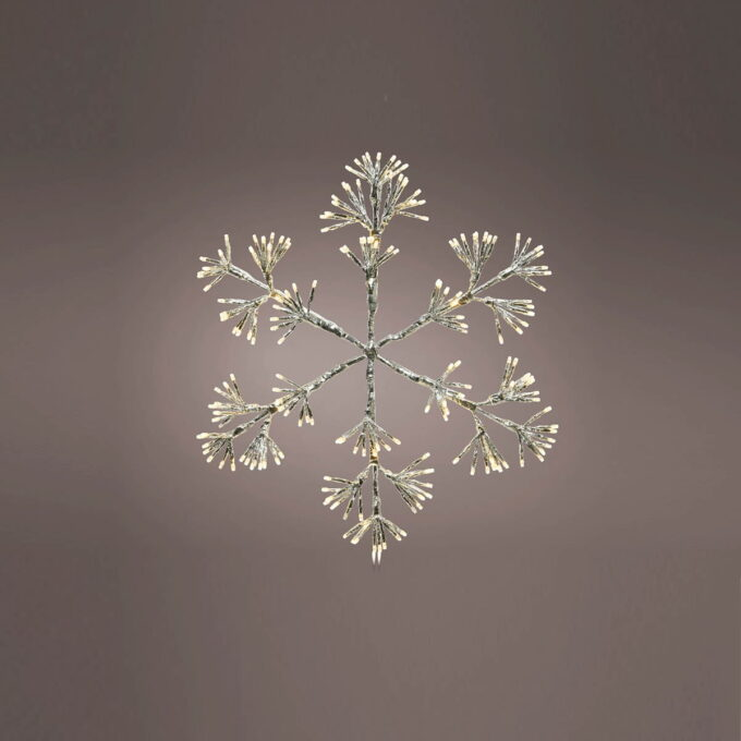 Nydelig dekorasjon formet som en snøkrystall. Fin tilå henge på veggen ute når mørket senker seg.