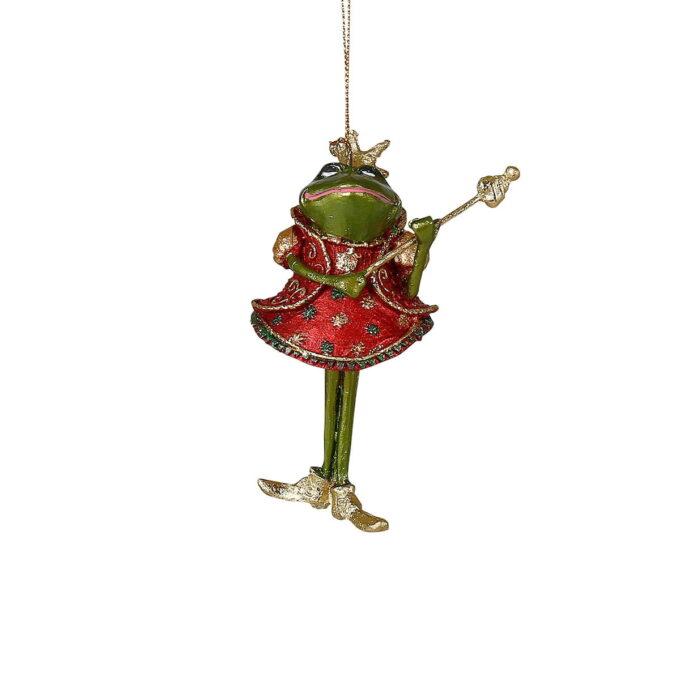 Sjarmerende frosk med stav og rød kjole. Passer fint på treet eller i vinduet sammen med noen av de andre figurene i samme serie.