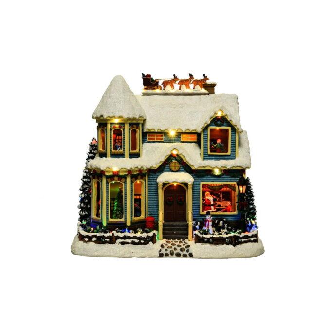 Detaljrikt julehus med lun stemning i alle rom og med nissens slede parkert på taket. Med musikk og bevegelse.