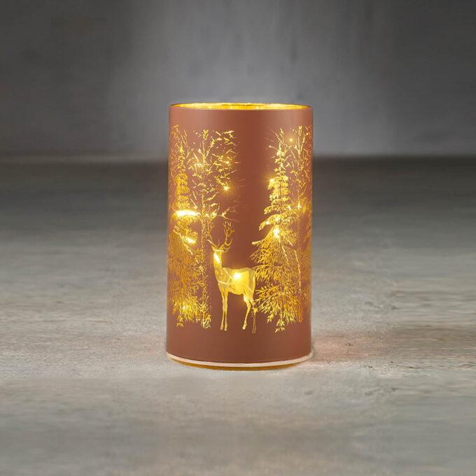 Lyslykt 15 LED brun med reinsdyr Høyde 15cm , diameter 9cm. Går på batteri, kan bare brukes inne.