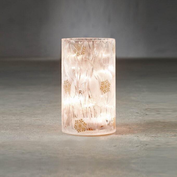 Lyslykt 15 LED hvit med snøkrystall Høyde 15cm , diameter 9cm. Går på batteri, kan bare brukes inne.